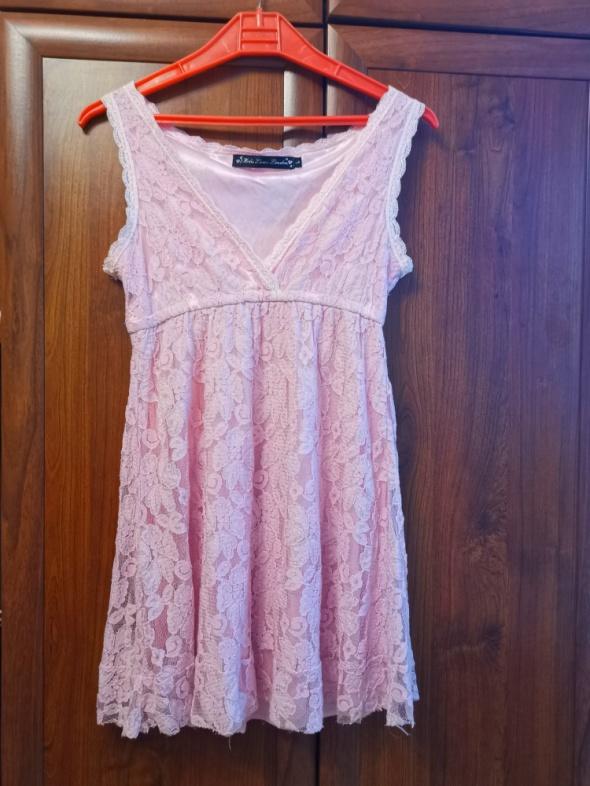 Koronkowa bieliźniana sukienka