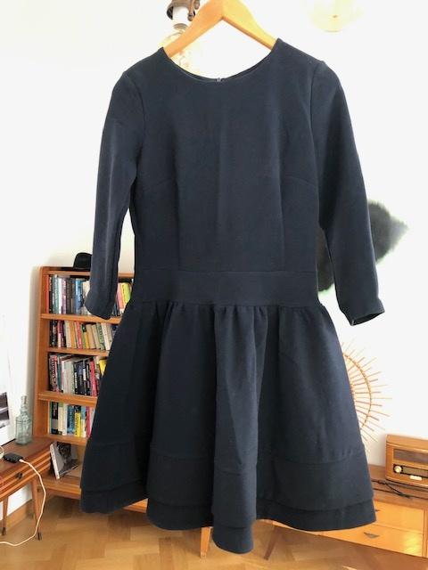 Granatowa sukienka koktajlowa...