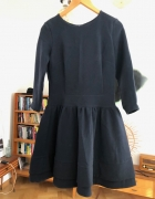 Granatowa sukienka koktajlowa