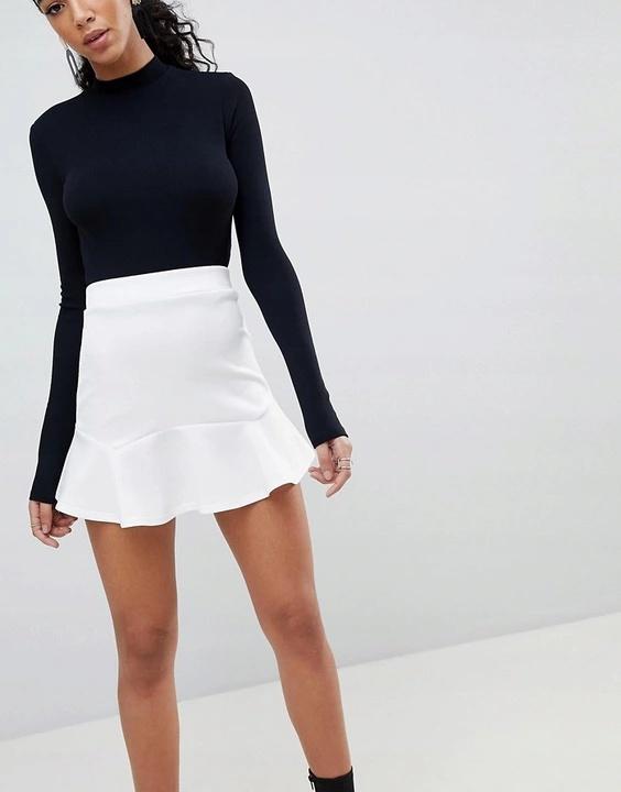 Spódnice Spódniczka biała z falbanką rozmiar SM