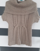 Elegancki sweter z kolnierzem rozm S...