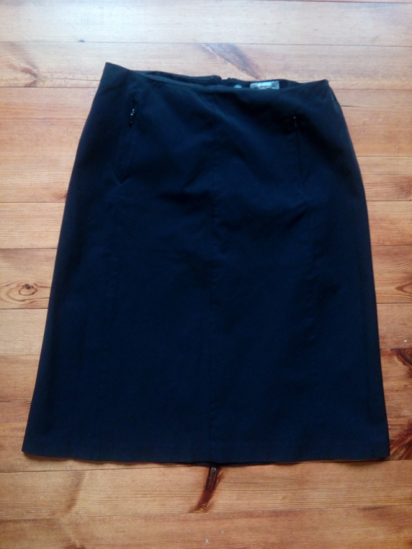 Czarna spódnica L