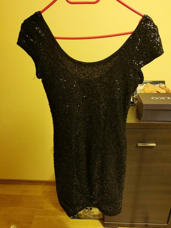 Sukienka cekinowa...