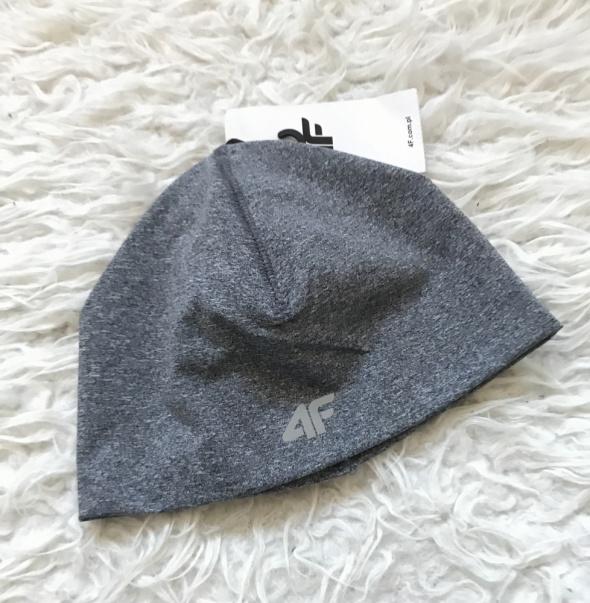 4F Szara cienka termoaktywna czapka na jesień zimę do biegania fitnes