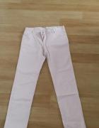 Bladoróżowe spodnie Mango