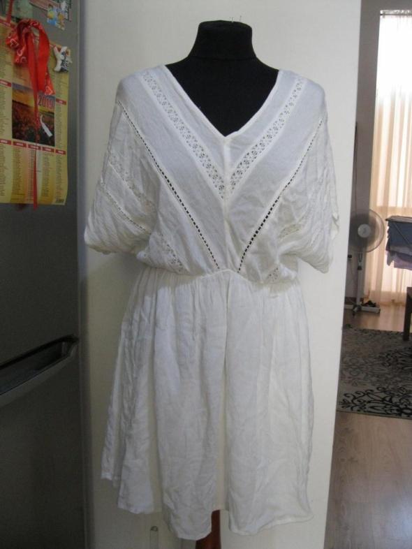 sukienka ażurkowa VERO MODA śmietankowa M...