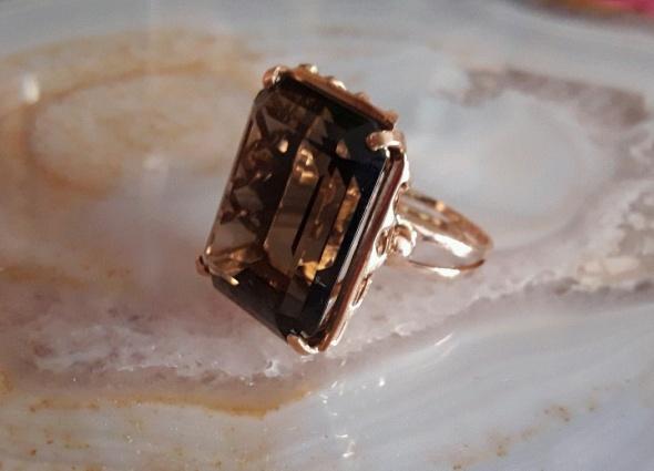 stary złoty pierścionek topaz dymny