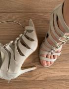 Wiązane sandałki gladiatorki na szpilce...