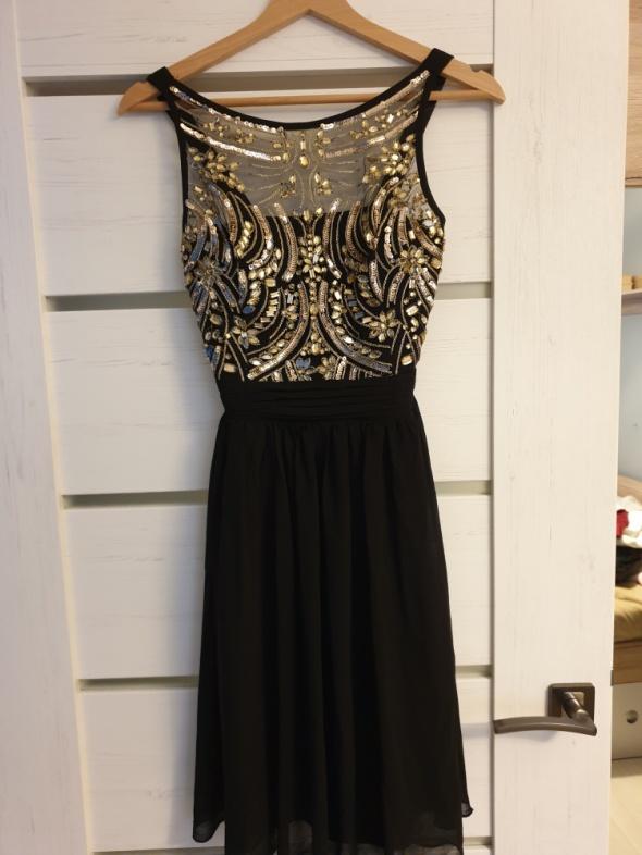 Sukienka S czarna z kryształkami