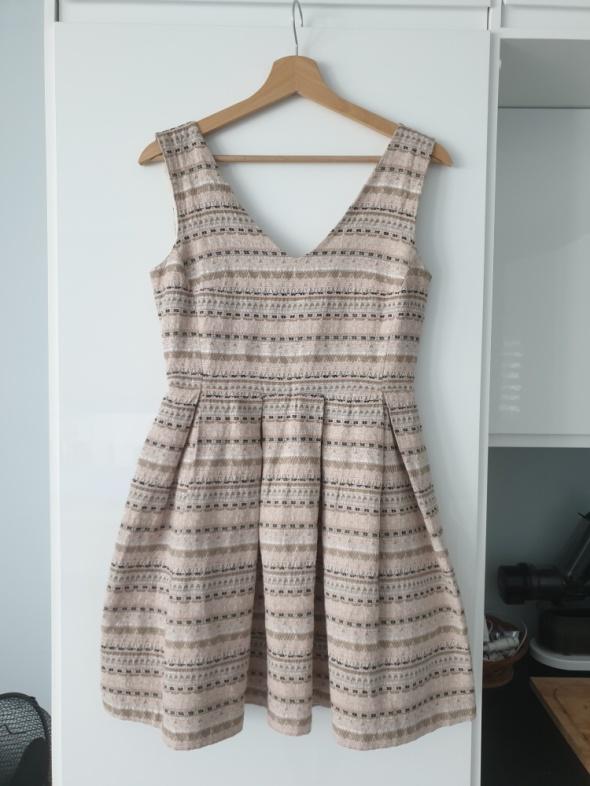 Suknie i sukienki Sukienka Pimke S rozkloszowana