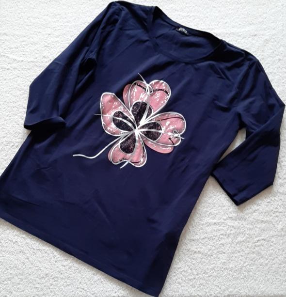 Bluzki Dłuższa bluzka z kwiatem