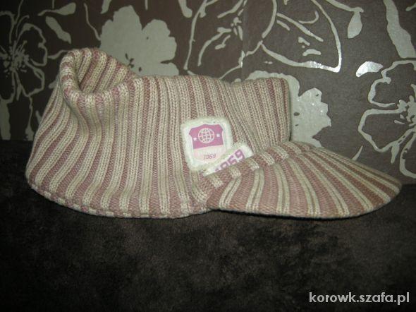 Zimowy daszek opaska czapka