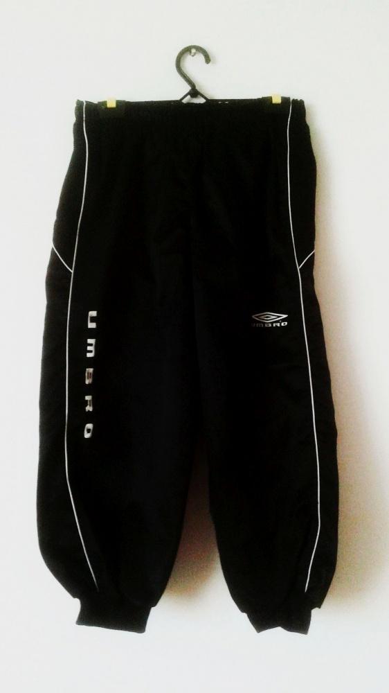 Spodnie Spodnie sportowe pumpy czarne Umbro dresowe błyszczące