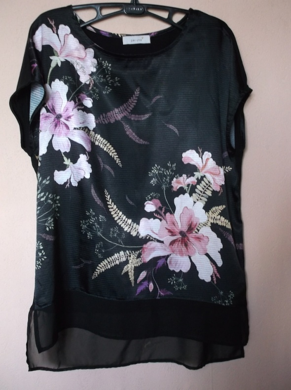 Czarna bluzka MS 40...