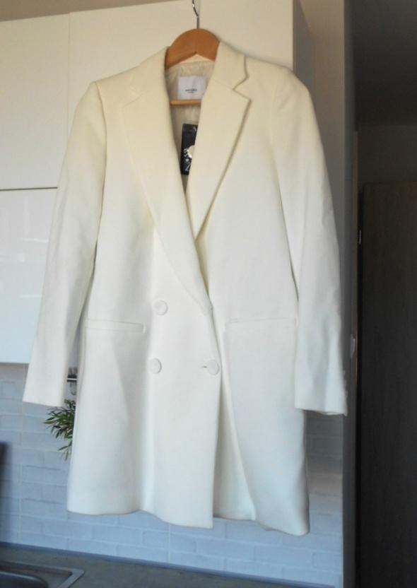 Mango nowy biały płaszcz smokingowy dwurzędowy elegancki