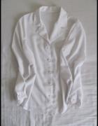 Biała koszula z kołnierzykiem elegancka rozmiar 44 czyli 2XL...