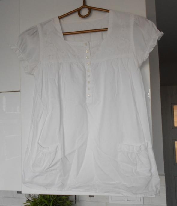 biała bluzka hafty kieszonki...