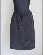 spódnica czarna w białe prążki rozmiar 40 L na gumce...