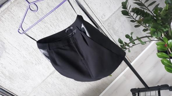 Spódnica ze skórką