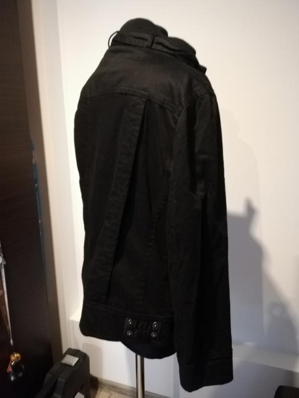 modna wygodna kurtka sportowa