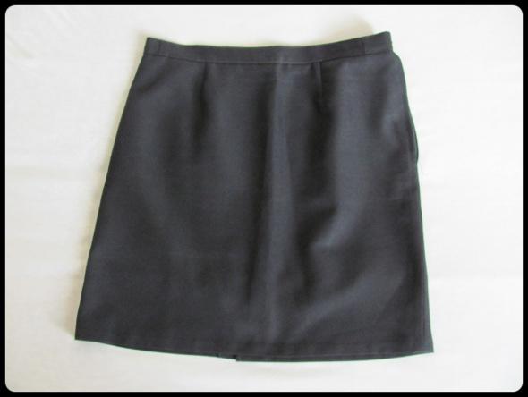 Klasyczna spódnica czarna gładka prosta 42 XL stan idealny