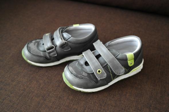 Nowe PUMA Buty dla dziewczynki Rozmiar 25 15,5 cm BROKAT