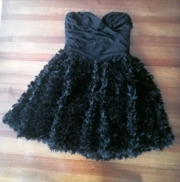 Asos Czarna rozkloszowana sukienka bez ramion...