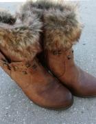 Zimowe kozaczki na obcasie...