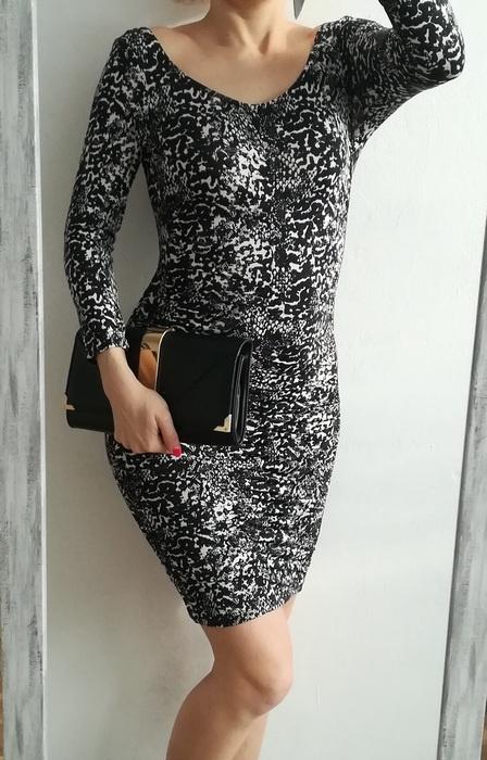 H&M czarno biala sukienka marszczenia S