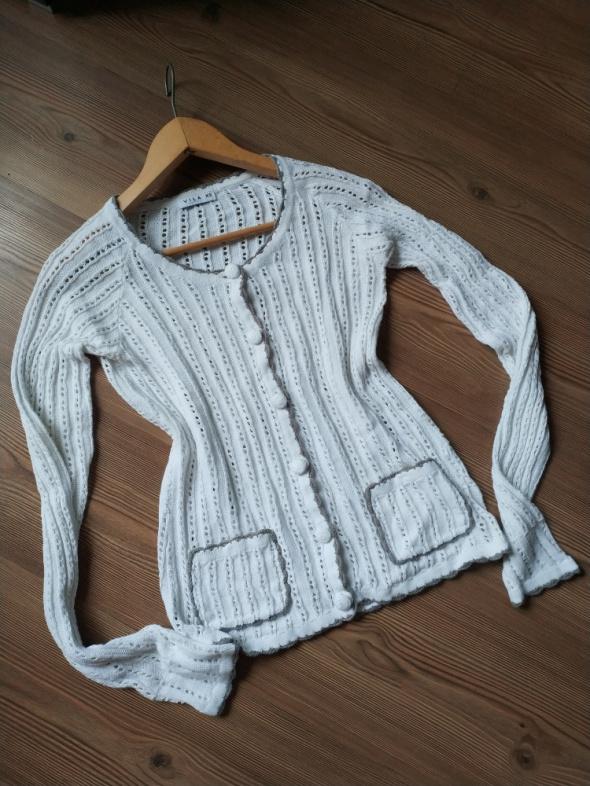 Sweter Vila kardigan ażurowy kieszonki bialo haft szary xs