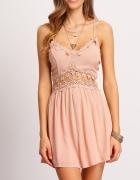 Piękna sukienka różowa hafty 36...