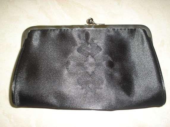 Nowa satynowa torebka kopertówka czarna