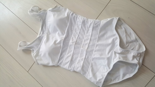 Body białe usztywniane siateczka strój kąpielowy