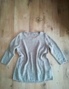 Modny bezowy sweter cekiny M...