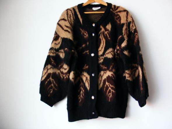 Ciepły wełniany sweterek R 42 44
