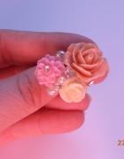 śliczny kolorowy pierścionek...