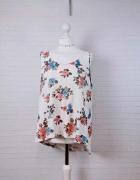 18 46 3XL Dunnes Stores Plus Size Biała koszulka w kwiaty...