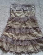 Jedwabna sukienka z falbanek...