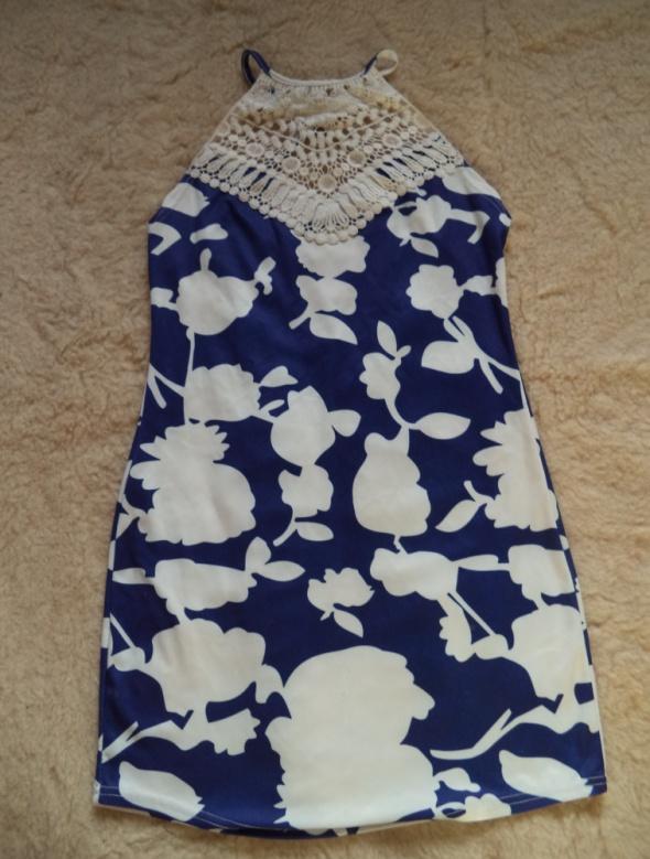 Suknie i sukienki Mini sukienka z piękną koronką