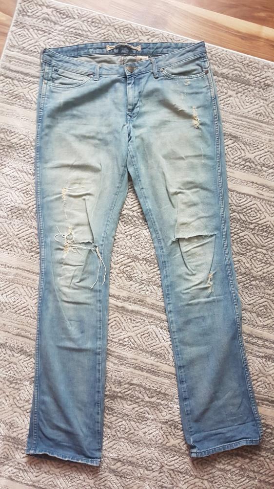 Wycierane jeansy