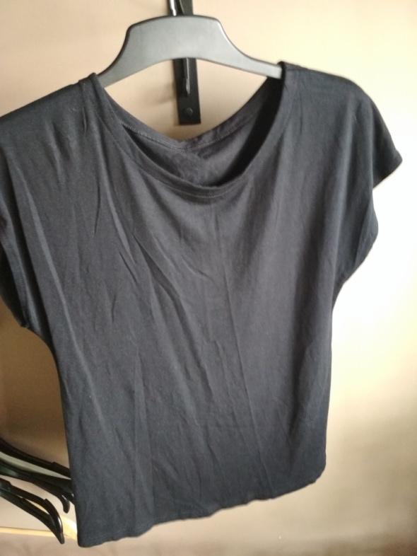 Czarna koszulka na co dzień rozmiar 12 rozmiar XL...