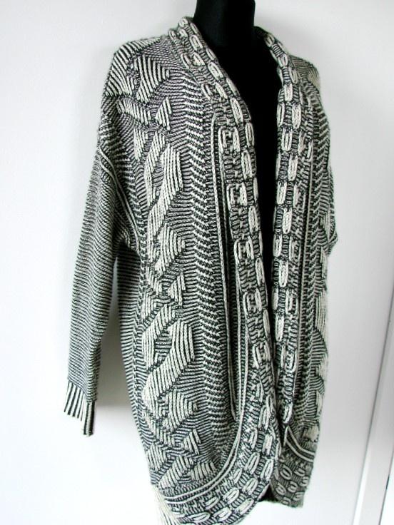 Długi sweter narzutka w geometryczne wzory oversize VILA