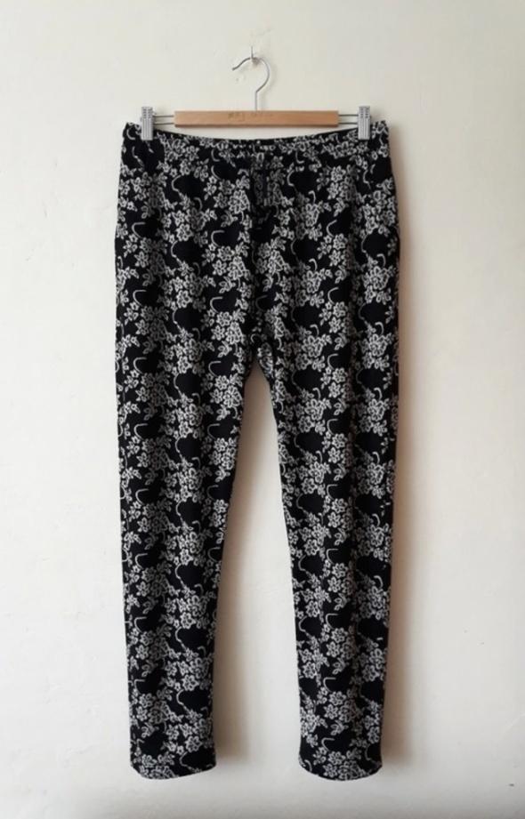 Spodnie we wzory