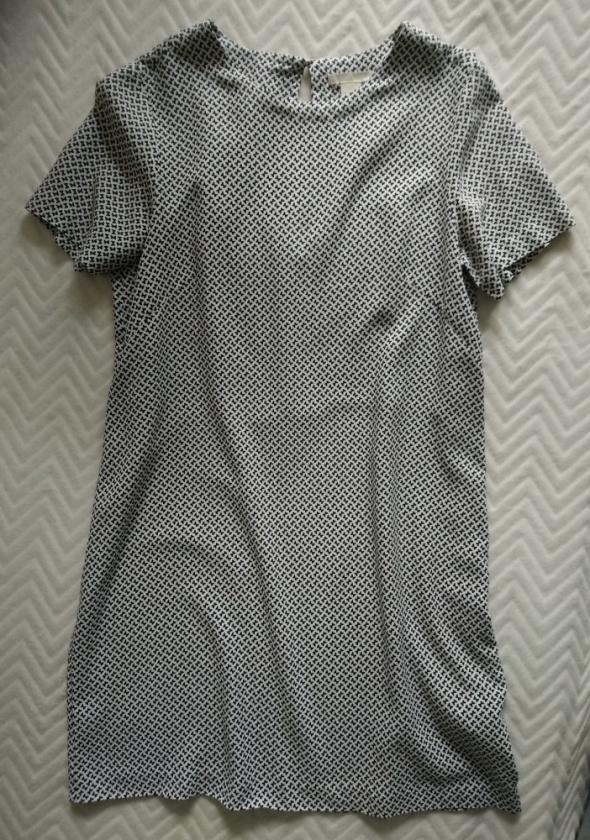 Sukienka M prosty fason H&M