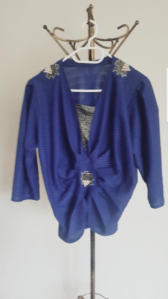 Kobaltowa bluzka