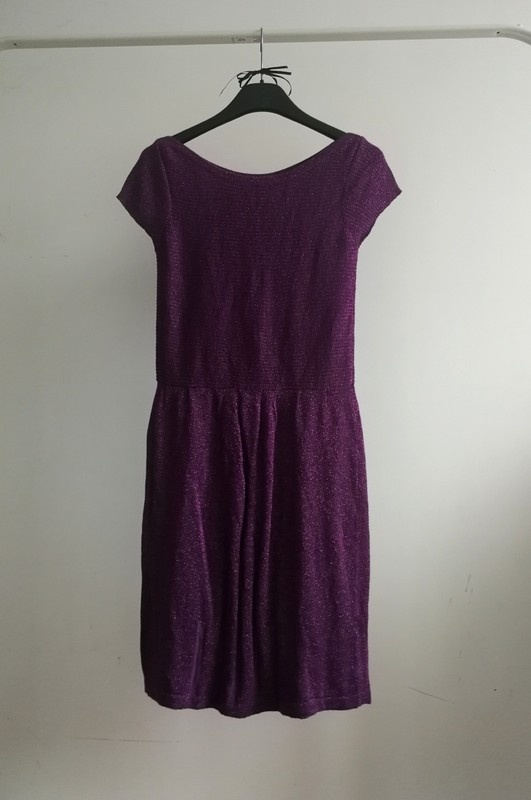 Brokatowa sukienka sweterkowa Renais