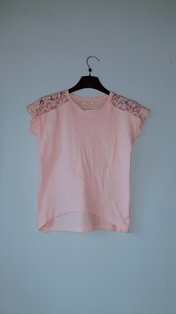 Idealna bluzka różowa z koronką