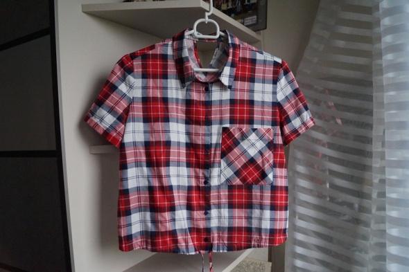 Krótka koszula w kratę Bershka M