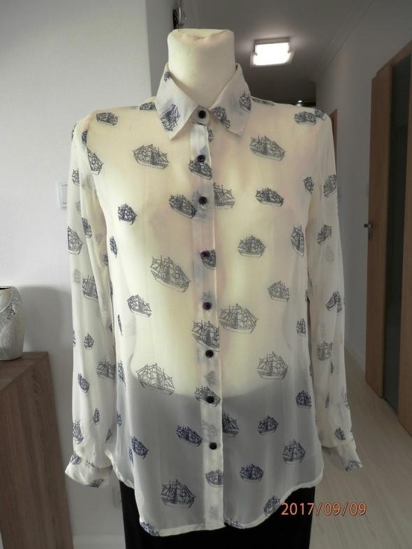 Koszula Kremowa Nadruk w Granatowe Żaglowce Zwiewna by UK 36