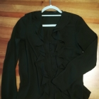 Czarna elegancka koszula z żabotem